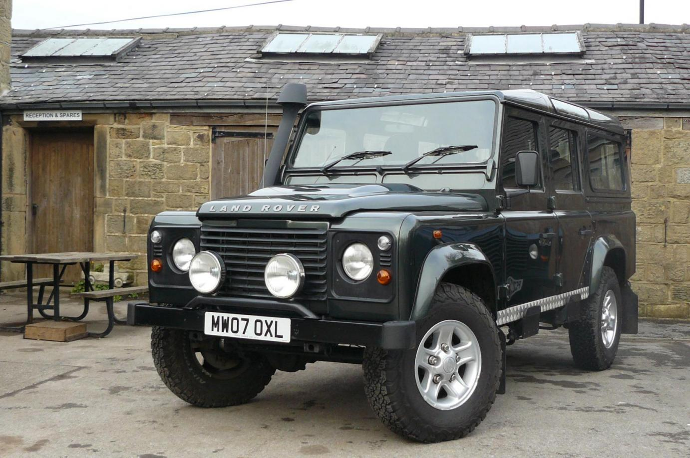 parkers rear station defender review static land wagon rover