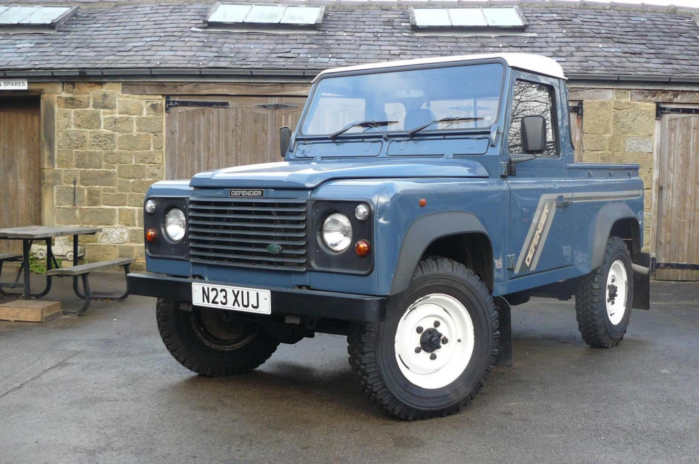 land rover defender 300 tdi with low miles jake wright ltd specialists in land rover and. Black Bedroom Furniture Sets. Home Design Ideas