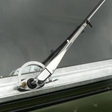 The correct type land rover series 2 wiper blades and arms were fitted