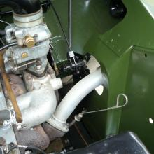 The land rover series 2 exhaust manifold was the early swan neck type