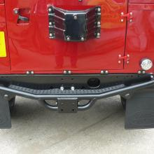 The NAS rear step bumper has now been fitted to the rear of the land rover