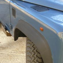 The wings are in excellent condition on this land rover 300 tdi 110
