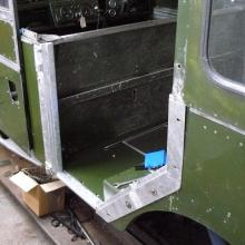 The newly made side door frames were fitted to the land rover 107 SW