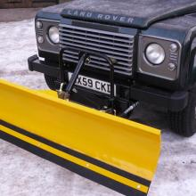 LAND ROVER DEFENDER SNOWPLOUGH