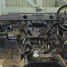 range rover classic interior showing the dashboard before dismantling