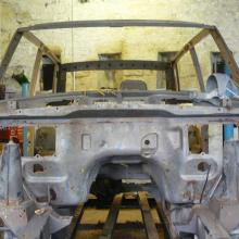 range rover classic bodyshell has now been dipped to remove any rust and now is ready to  be repaired